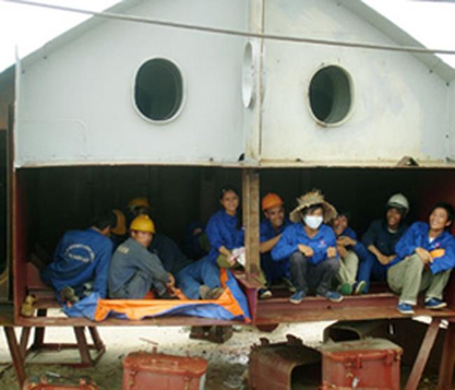 Thủ tướng yêu cầu rà soát lao động nước ngoài tại Việt Nam
