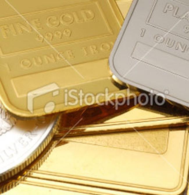 Vàng giảm nhẹ, USD hạ xuống 18.200 đồng