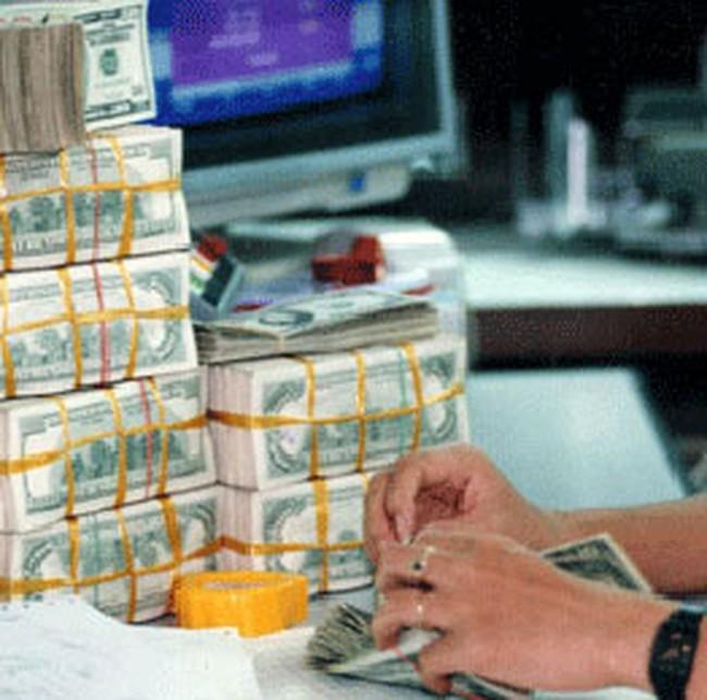 Tìm đầu ra cho vốn ngoại tệ