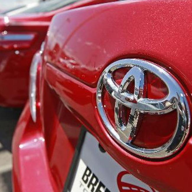 Toyota bị hạ xếp hạng tín dụng