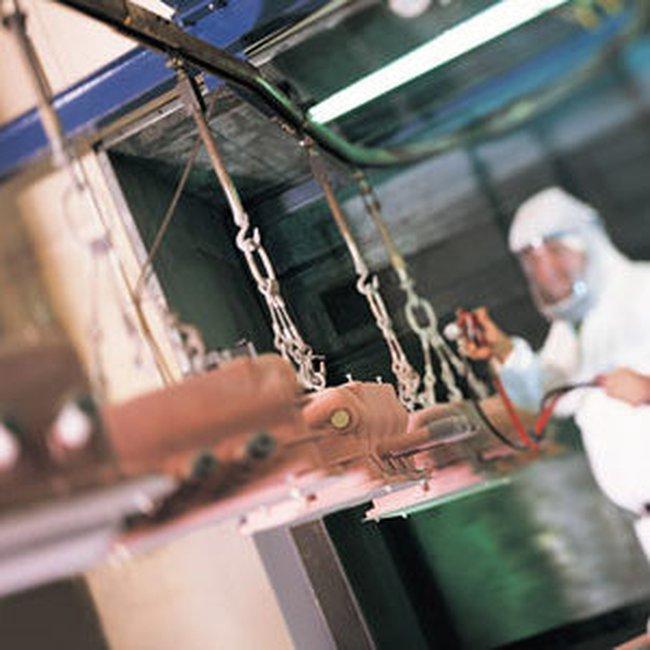 Sản lượng sản xuất tại Anh tăng lần đầu trong 15 tháng