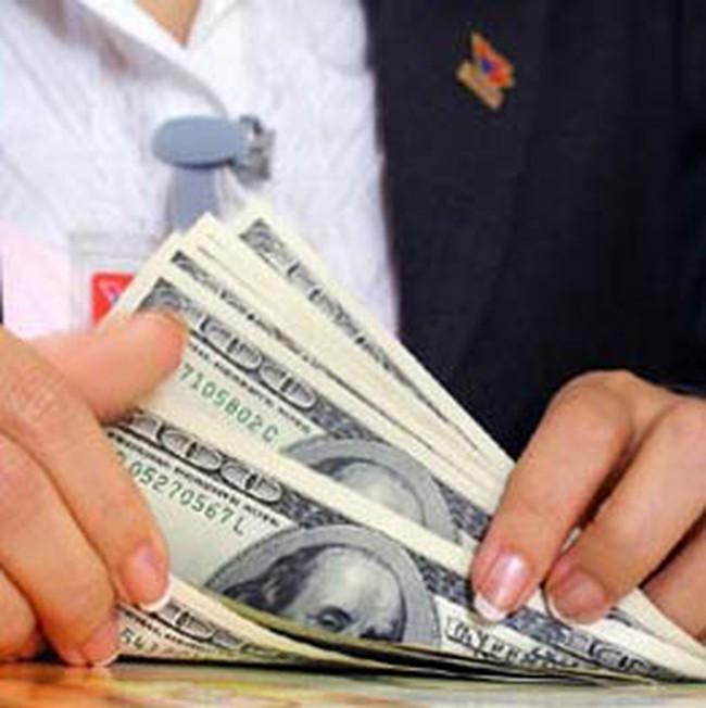 Tháng 7, tỷ giá hạch toán ngoại tệ tăng 10 đồng/USD