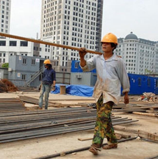 Đua xây nhà tránh giá thép tăng