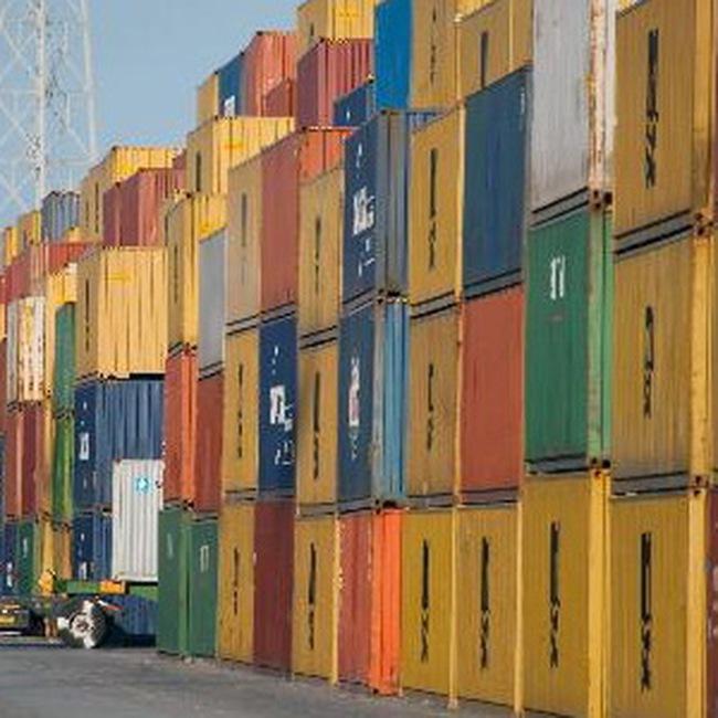Xuất khẩu Trung Quốc giảm tháng thứ 8 liên tiếp