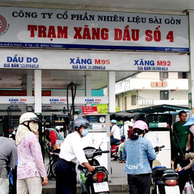 Xem xét khả năng giảm giá xăng