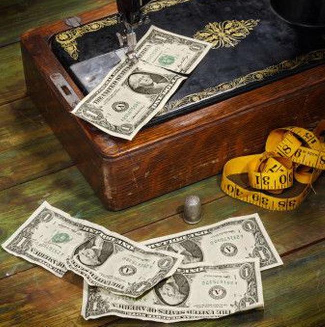 Bơm tiền chưa đủ cứu kinh tế