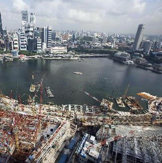 Singapore trở thành nước đầu tiên thoát khỏi khủng hoảng