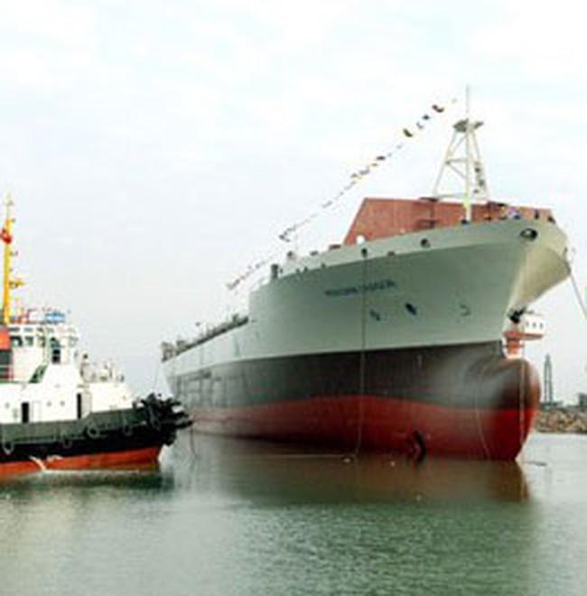 Công nghiệp đóng tàu và ô tô đều sụt giảm