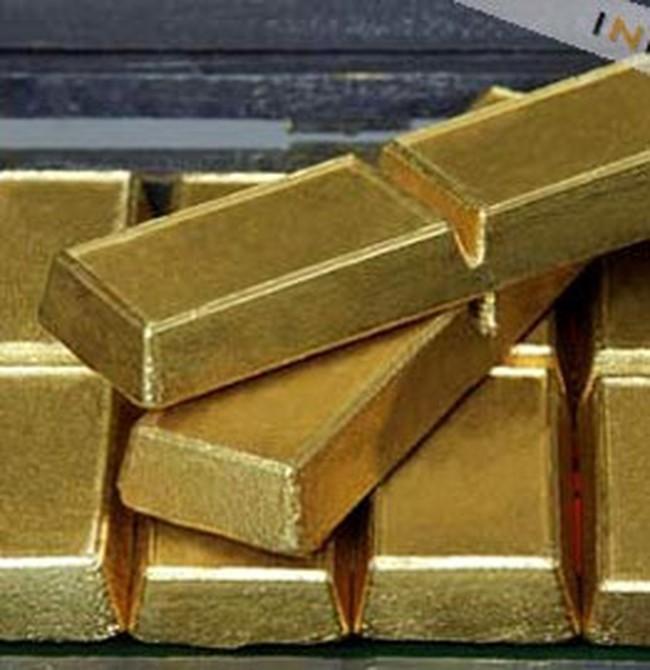 Giá vàng tạm lùi bước