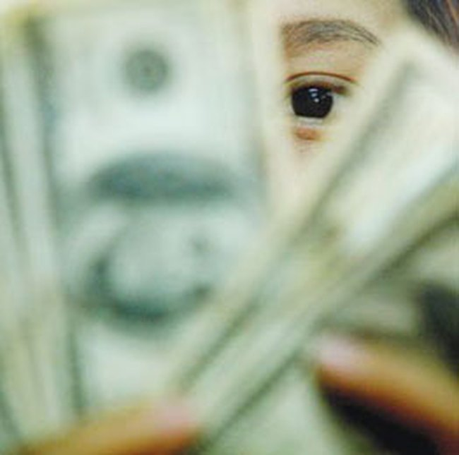 Nhiều ngân hàng thừa USD tiền gửi