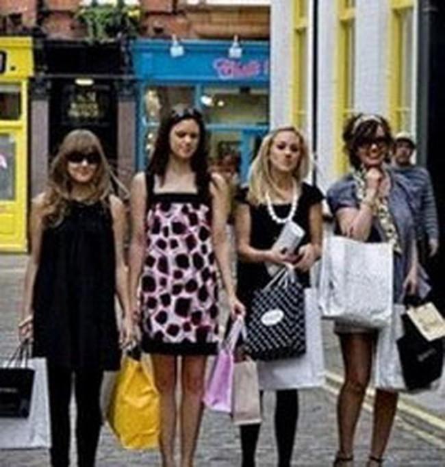 Lòng tin người tiêu dùng toàn cầu được cải thiện