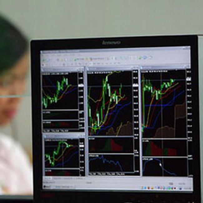 Nhà đầu tư đẩy mạnh bán ra vào cuối phiên