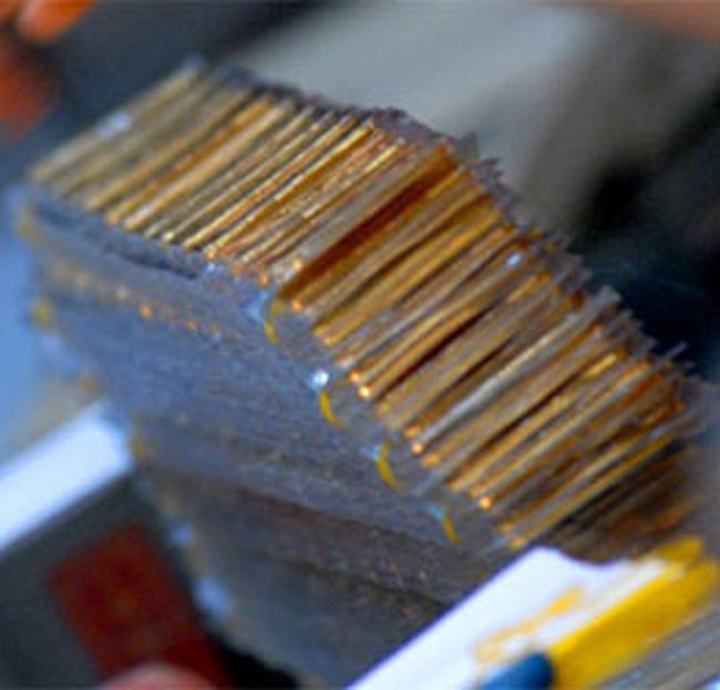 Giá vàng giảm gần 100.000 đồng/lượng