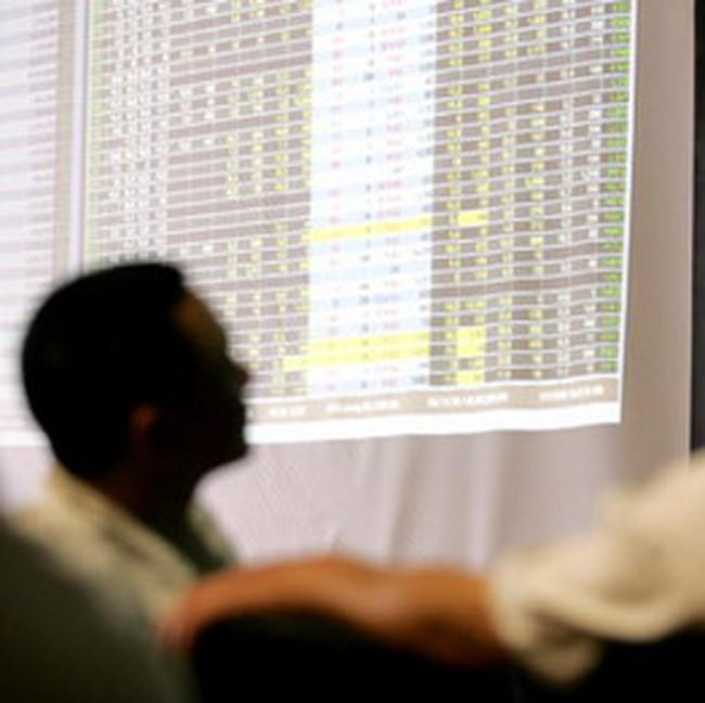 VCB tăng trần kéo VN-Index vượt ngưỡng 470 điểm