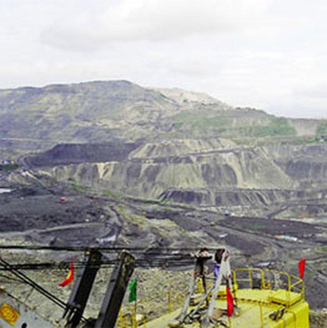 Sắp thiếu than, than vẫn đẩy mạnh xuất khẩu
