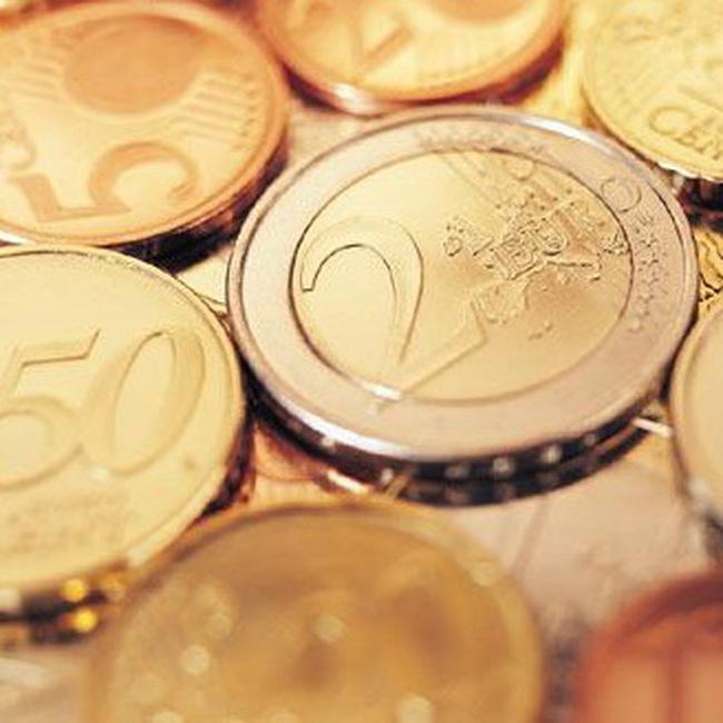 Đồng euro mất giá trọn tuần
