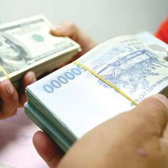 Ngân hàng đua nóng lãi suất ngắn hạn tiền đồng