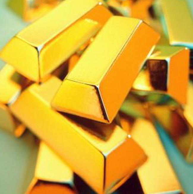 Giá vàng tăng, dầu vọt lên sát 75USD/thùng