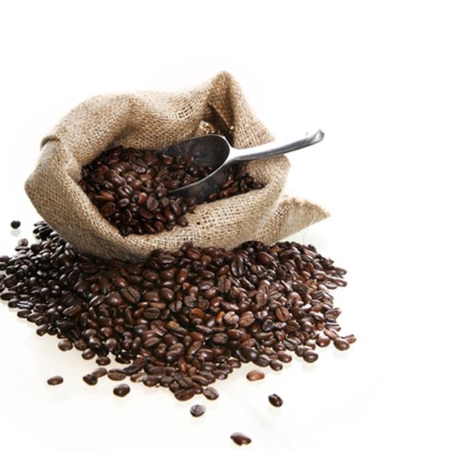 Giá cà phê tăng mạnh, ca cao trượt dốc