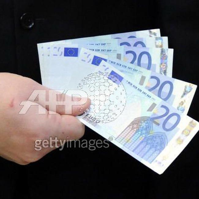 Doanh số bán lẻ châu Âu hạ 15 tháng liên tiếp
