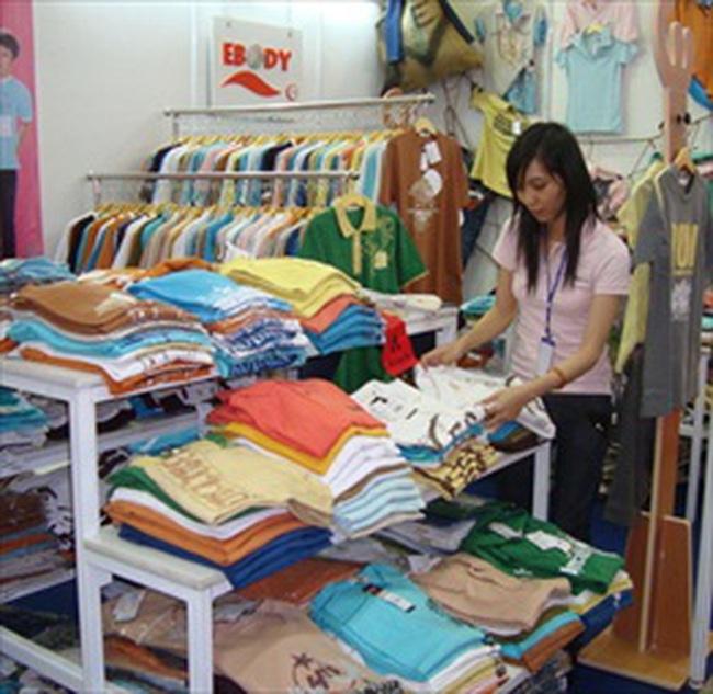 Nghịch lý trên thị trường hàng Việt