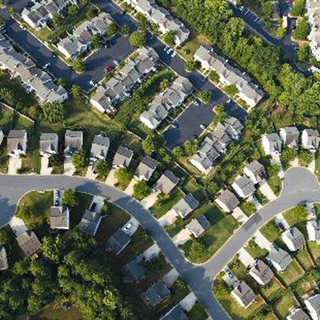 Doanh số bán nhà mới tại Mỹ tháng 7 tăng mạnh nhất trong 4 năm
