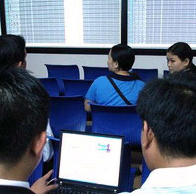 VN-Index tiếp tục thử thách ngưỡng 530 điểm