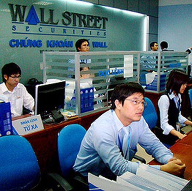 Chứng khoán Phố Wall đăng ký niêm yết tại HNX