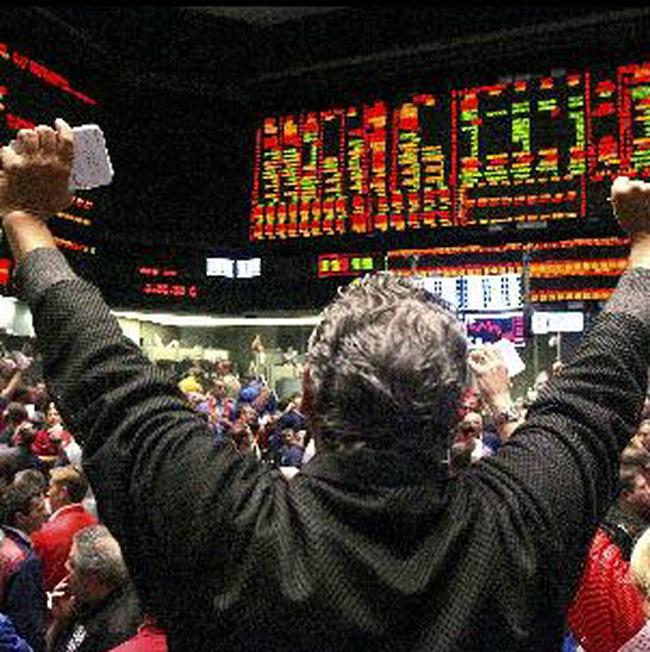 Thị trường Mỹ tăng điểm trong phiên giao dịch đầy biến động