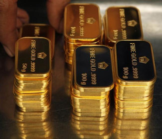 Vàng đang tiến dần đến mốc 25 triệu đồng/lượng