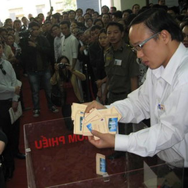 Sôi động bốc thăm quyền mua căn hộ chung cư Dương Nội