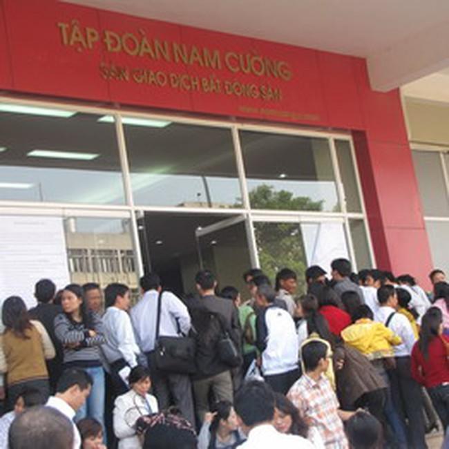 """Thị trường nhà đất Hà Nội """"sốt"""" trở lại"""