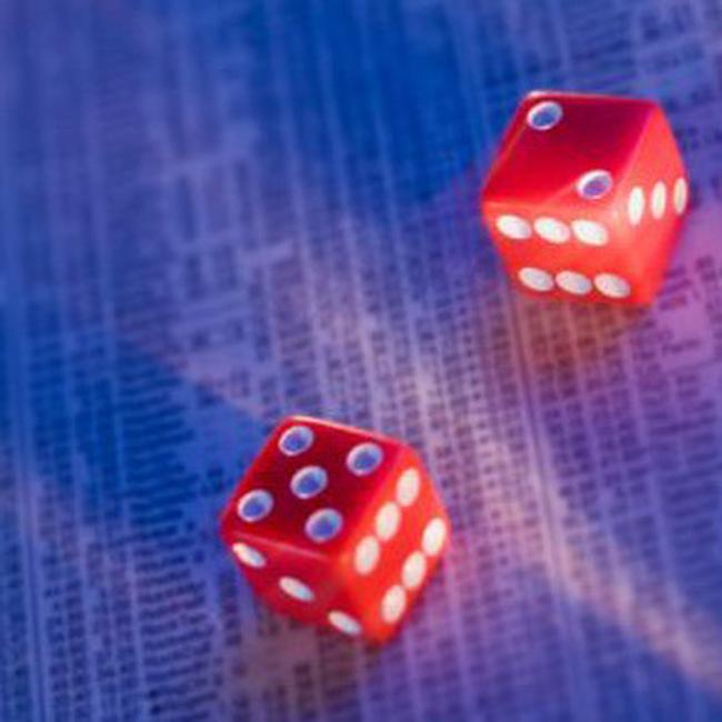 Sắp xếp cổ phiếu theo nhóm ngành: Chờ sự chủ động từ 2 Sở GDCK