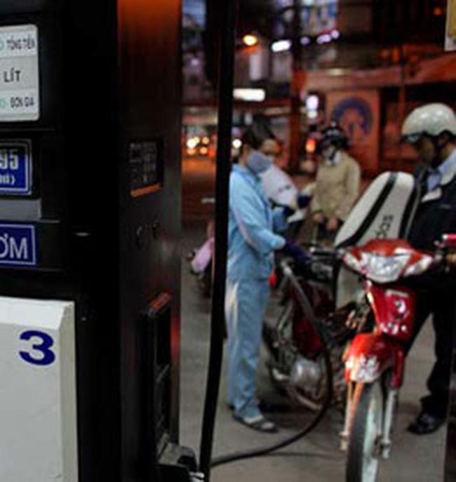 Doanh nghiệp kinh doanh xăng dầu lại kêu lỗ