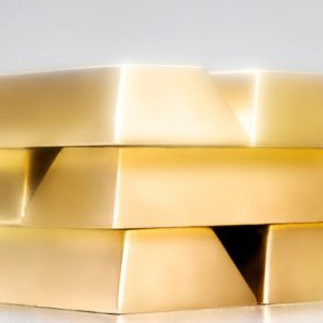 Trong vòng xoáy của vàng