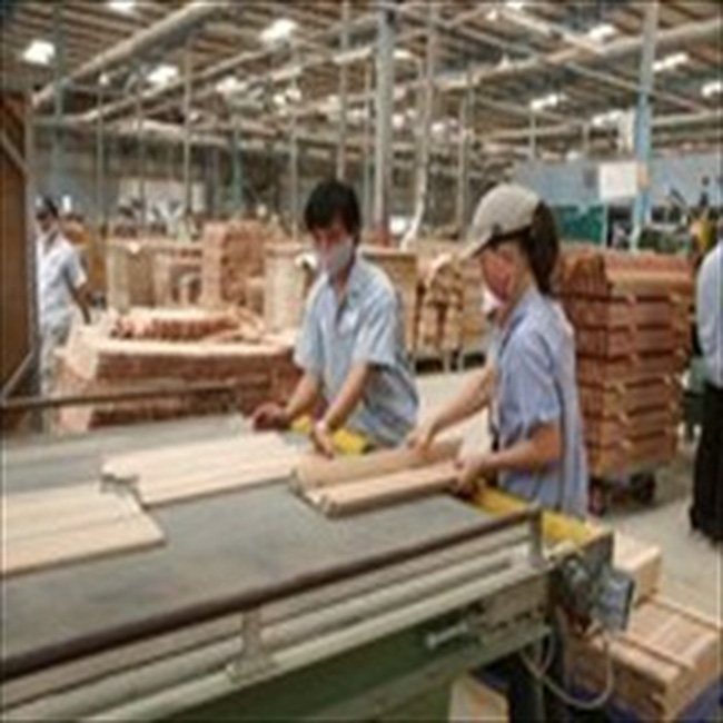 Hợp tác phát triển cụm doanh nghiệp vừa và nhỏ ngành gỗ