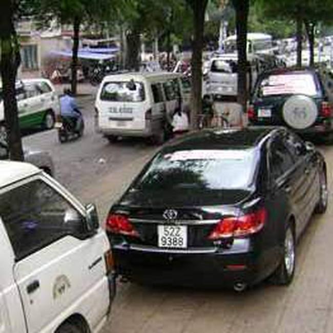 Thị trường ô tô vẫn sôi động