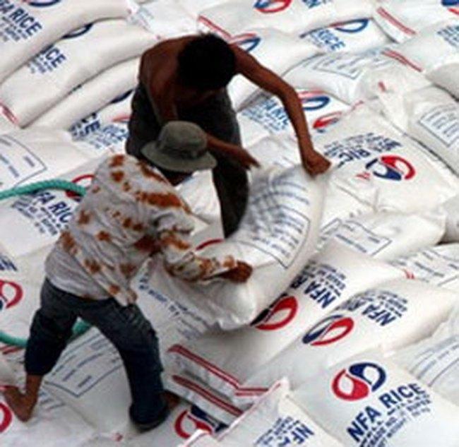 Giá gạo Việt Nam trên thị trường thế giới tăng 10%