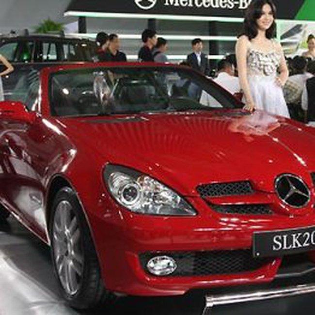 Mercedes-Benz áp dụng tỷ giá mới cho giá xe