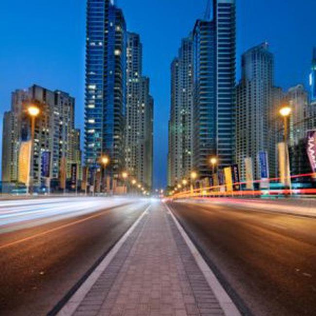 Thị trường Dubai lên điểm mạnh nhất trong 1 năm bởi lạc quan về giải quyết nợ