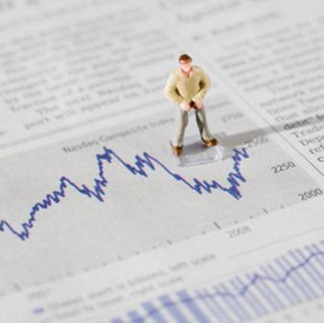 """Cổ phiếu chứng khoán """"gặp thời"""", VN-Index vượt ngưỡng 450 điểm"""