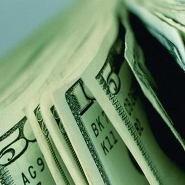 Lạm phát kiềm chế ở mức thấp, NĐT đẩy mạnh mua vào cổ phiếu cuối phiên
