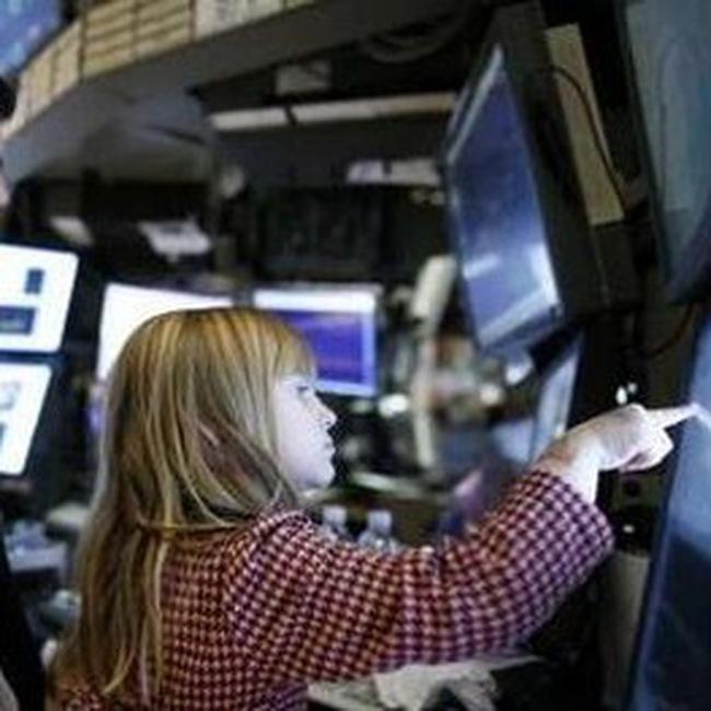 S&P 500 tái lập mốc cao nhất trong 15 tháng