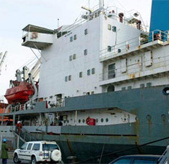 Nhà máy đóng tàu Bến Thủy hạ thủy tàu 4.000 tấn