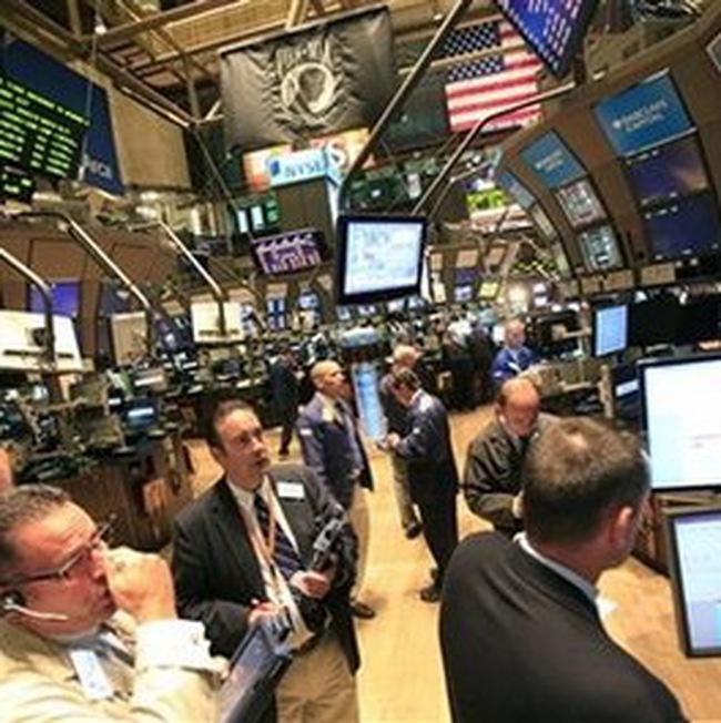 S&P 500 lên cao nhất trong 15 tháng