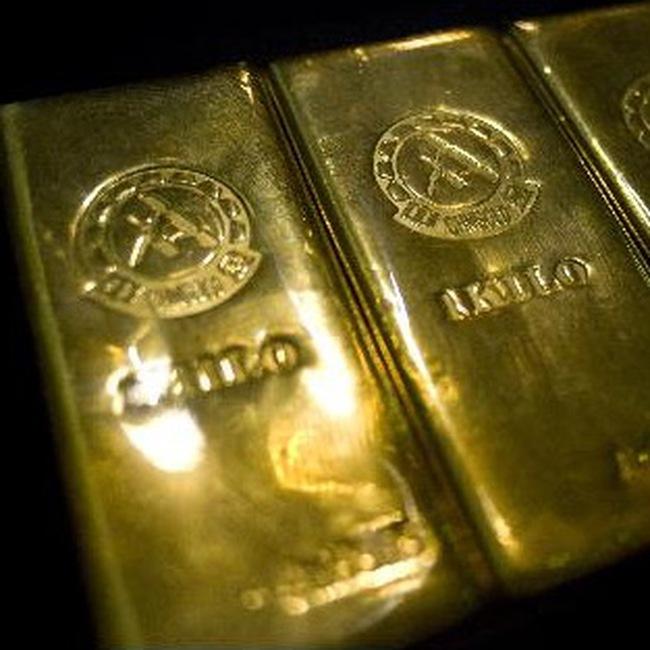 Giá vàng cao nhất trong 3 tuần, dầu cao nhất trong hơn 1 năm