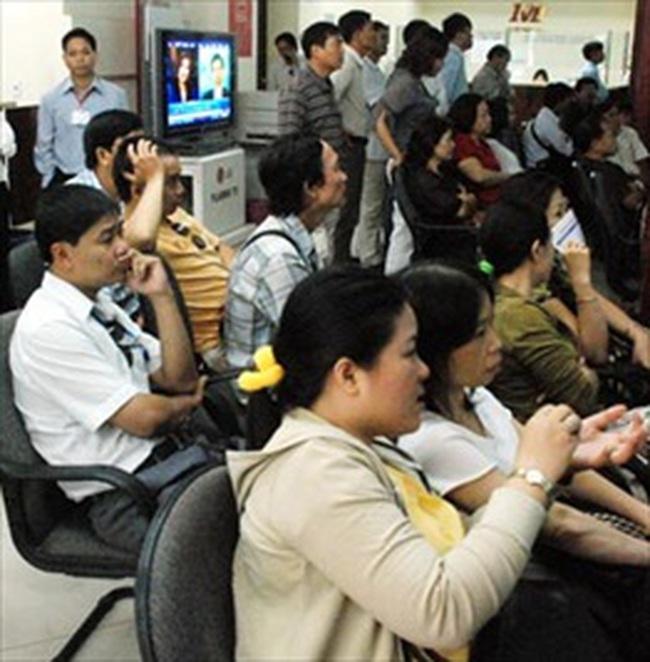 Vn-Index mất mốc 500 điểm, NĐT bán tháo cổ phiếu vào cuối phiên