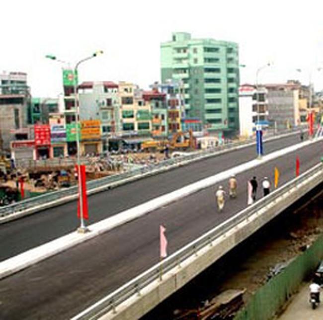 Hà Nội lần đầu xây đường trên cao để giảm ùn tắc