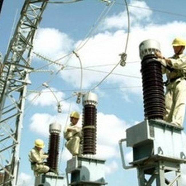 Năm 2010, EVN tăng sản lượng điện mua ngoài thêm gần 7 tỷ kWh