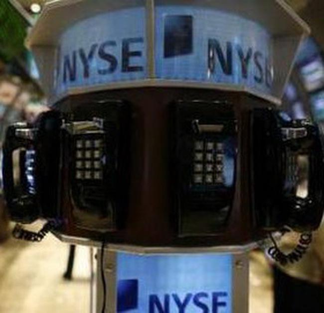 Dow Jones tăng hơn 100 điểm lên cao nhất trong 15 tháng